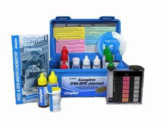 Testing swimming pool pH with a test kit